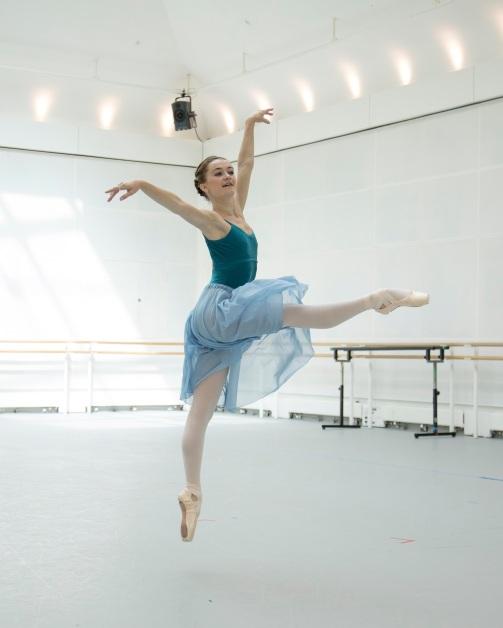 Royal-Ballet-dancer-Anna-Rose-OSullivan-in-rehearsal.-photo-by-Andrej-Uspenki.jpg